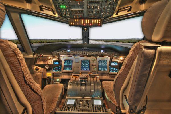 cockpit-100624